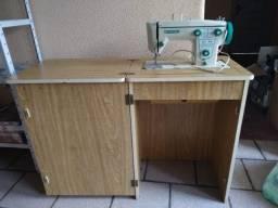 Título do anúncio: Gabinete/ mesa máquina costura + Máquina de costura Vigorelli