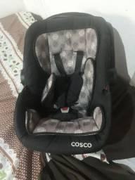 Bebê conforto, cadeira musical q vibra e toca e carrinho de bebê