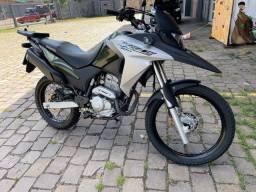 Honda XRE 300 igual nova