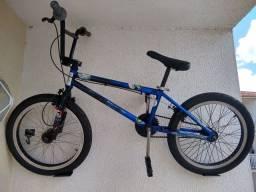 Bicicleta BMX a toda prova