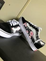Tênis Vans florido novo