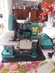 Máquinas de costura overloque e doméstica