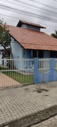Aconchegante casa no centro de Porto Belo