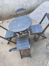 Título do anúncio: 4 jogos de mesas e cadeiras