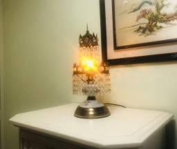 Luminária de mesa - Abajur Relíquia em Metal e Louça