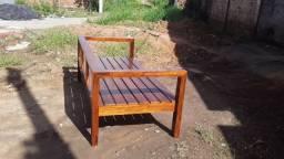 Título do anúncio: Sofá  de madeira  na promoção  sobre encomendar  900 avista
