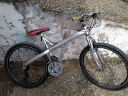 Vendo bike Caloi quandro de alumínio peças Shimano