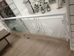 Guarda corpo de aluminio e vidro