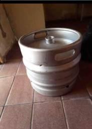 Vende se um barril de chopp de 30 litros