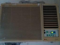 Ar condicionado 18.500 BTUs R$ 250