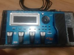 Título do anúncio: Pedaleira Sintetizador Roland Gr55 Com Gk3