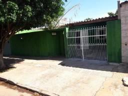 Vende-se casa no bairro Coophavila 2