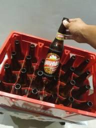 Engradado de cerveja com casco 600ml