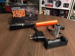 Lanterna Tática Militar X900 Zoom Recarregável