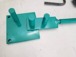 Curvadora, dobradora de ferro chato, barras de aço, vergalhões e ferro de construção