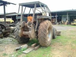 Trator de pneu girico cbt 2105