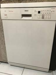 Vendo lava-louças usada Bosch Intelligent Branca