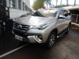 TOYOTA HILUX SW4 2016/2017 2.8 SRX 4X4 7 LUGARES 16V TURBO INTERCOOLER DIESEL 4P AUTOMATIC - 2017