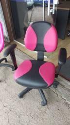 Cadeira executiva com regulagem de encosto