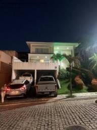 Excelente casa com 5/4, pronta para morar, em condomínio fechado, lazer e portaria 24 hs.