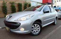 Peugeot\207 Sedan 1.4 Passion - Completo - 2010 - 2010