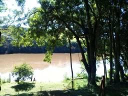 Casa no rio