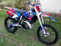 Yamaha YZ 250 2 tempos mais inteira do RS - 2001