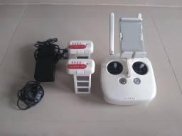 Vendo rádio controle do drone Phantom e 2 baterias junto a fonte de carregamento