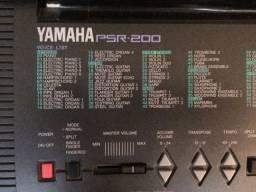 Teclado ? Yamaha PSR200