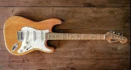 Stratocaster Tagima Antigaainda com o Head estilo Fender da Época do Seizi