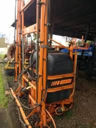 Pulverizador Jacto 600 litros com misturador e lava frasco ano 2011  *