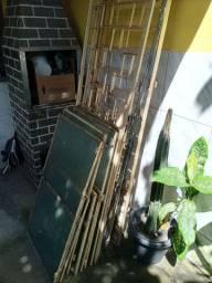 Porta de ferro com vidros