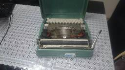 Maquina de datilografia vintage .vendo ou troco