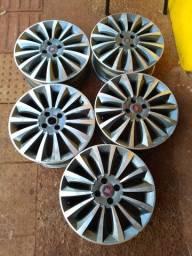 São 5 rodas aro 17 original  *