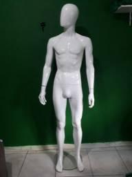 Manequim masculino branco fibra