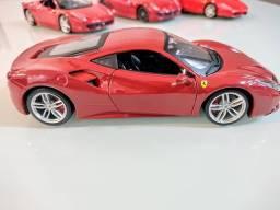 Miniatura Ferrari 488 GTB Escala 1/24 = 19cm