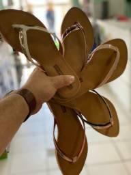 Sandália rasteira 22,90