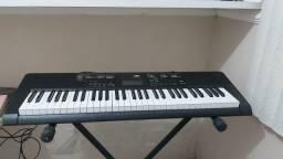Vende-se teclado casio CTK-2400