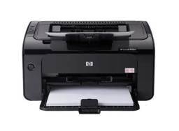 Impressora Seminova HP LaserJet Pro P1102W com wifi 115V - 127V preta