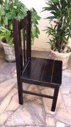Cadeira de Madeira - Pouco Uso