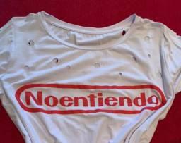Camiseta branca estilosa