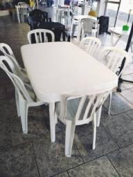 Conjunto Mesa Retangular com 6 Cadeiras