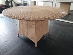 Mesa em fibra sintética