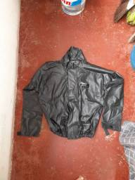 Capa de chuva reforçada para motoqueiro.