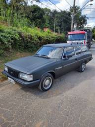 Caravan Comodoro ano 89 4 cilindros envelopada preta fosco