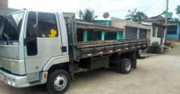 Troco em caminhão baú ou vendo