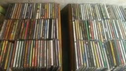Vendo 180 cds e 15 DVDs por 50 reais