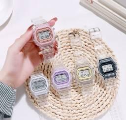 Relógio transparente digital