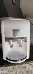Purificador de Água Latina refrigerado com compressor Branco 110v<br><br>