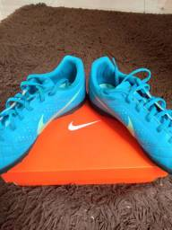 Chuteira Society, Nike Beco 2 TF.